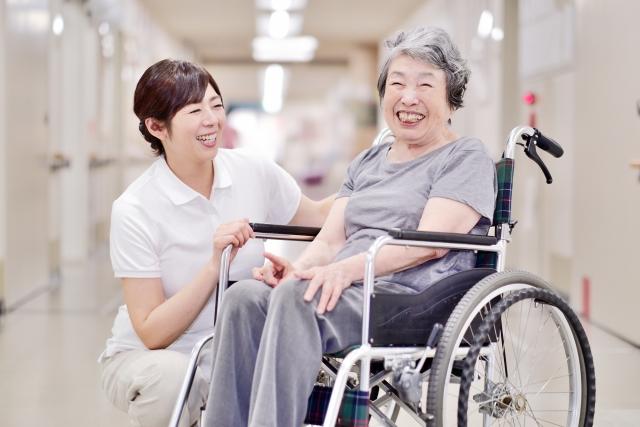【調査リリース】介護施設を対象としたアンケートを実施 「外国人介護職員の雇用に係る実態調査」